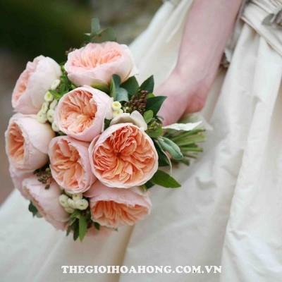 Bó hoa cưới từ hoa hồng leo khá đẹp